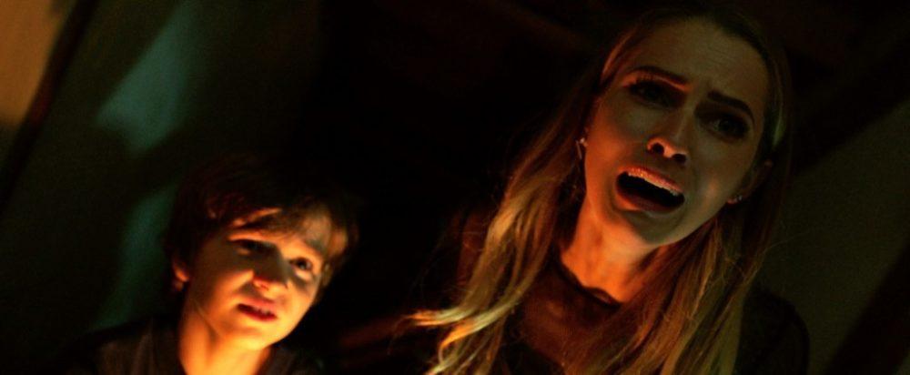 Rilasciato il poster italiano dell'horror Lights Out - Terrore nel Buio