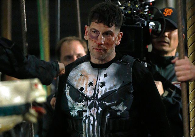 jon bernthal costume the punisher foto dal set