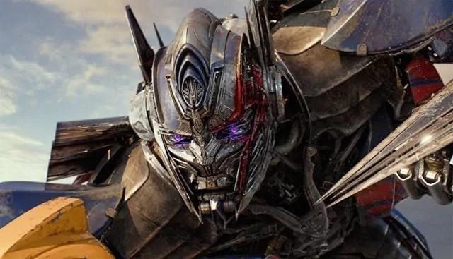 Ancora spettacolo nella nuova clip esclusiva di Transformers 5