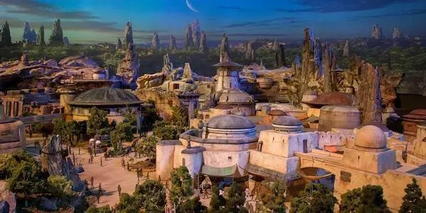 D23 Expo: presentato l'epico modello di Star Wars Land