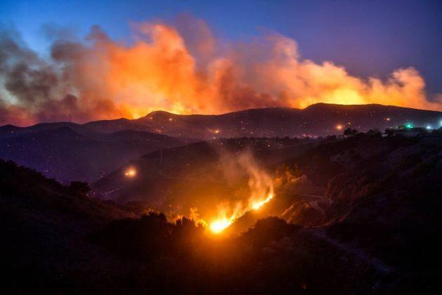 Gli incendi in California mettono in ginocchio Hollywood