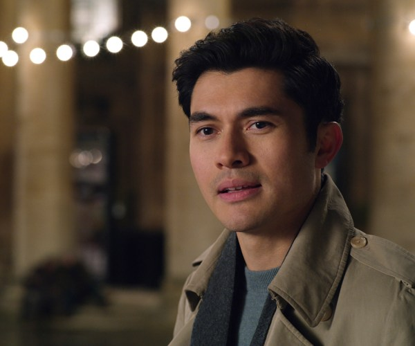 Henry Golding in Persuasione