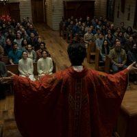 Midnight Mass: recensione della serie horror di Mike Flanagan