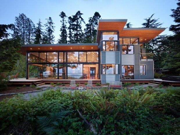 Luxurious Modern Glass House Designs