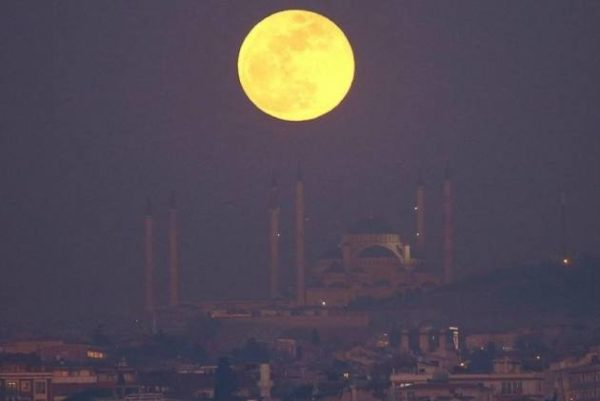 Chinese Company plans to launch artificial moon in 2020