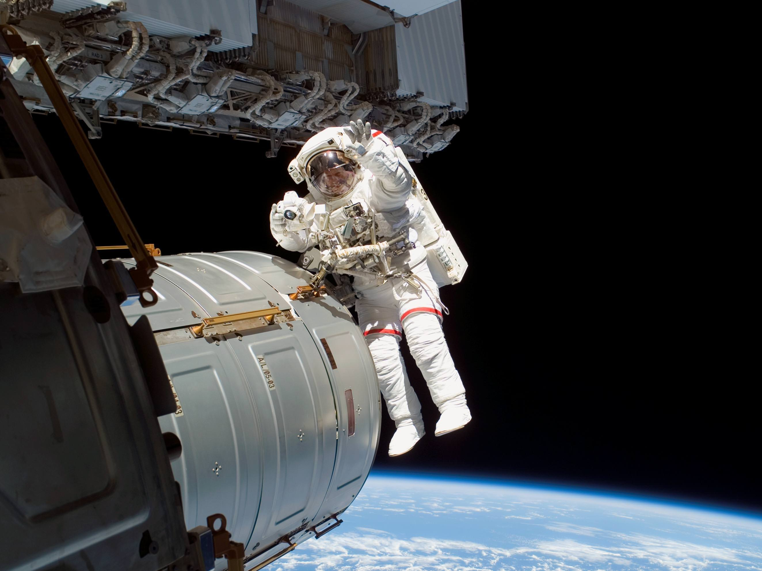 Why Can't We Design the Perfect Spacesuit? - Universe Today
