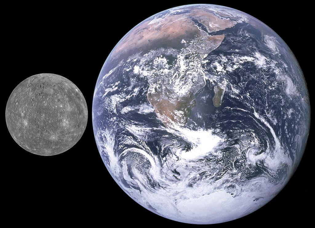 Mercurio y Tierra, comparación de tamaño. Crédito: NASA / APL (de MESSENGER)