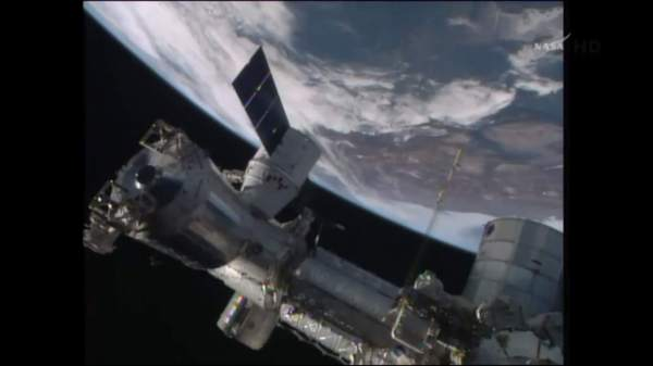 Easter Sunday Space Station Rendezvous and Berthing for ...