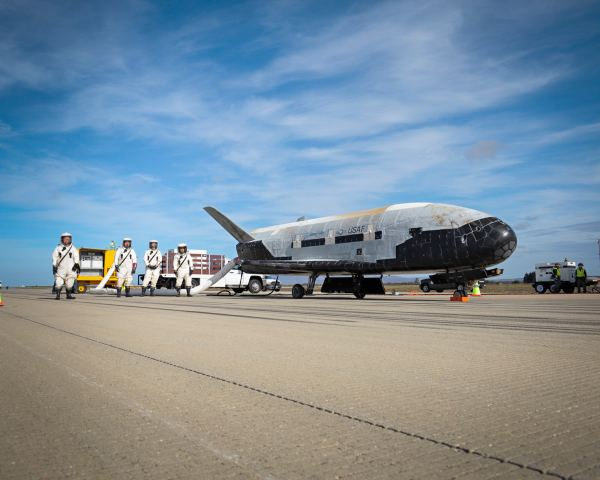 Mysterious Military X37B Space plane Lands after Nearly