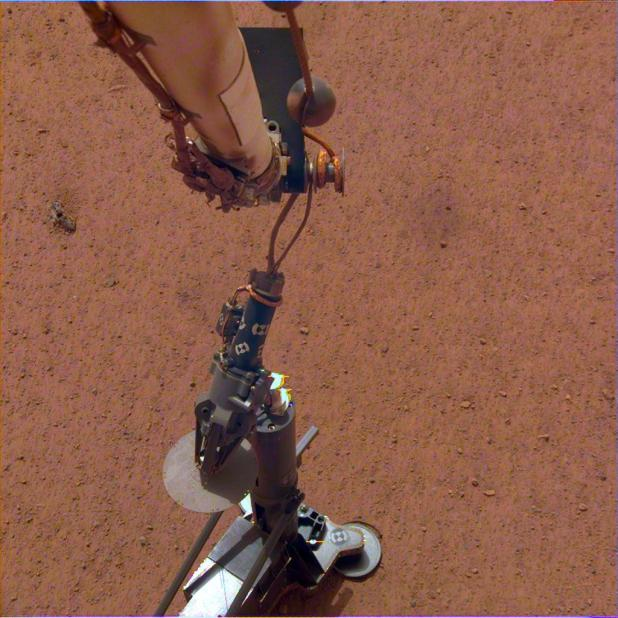 The HP3 was placed on the surface of Mars on February 12, 2019. Image credit: NASA / JPL-Caltech / DLR