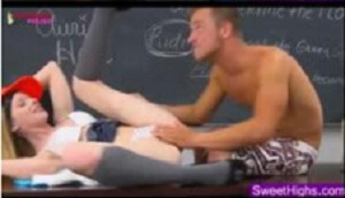 Loirinha Patricinha Fudendo com Seu professor de matemática