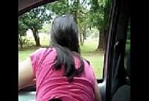 Mulher pelada Raquel gostosa tirando calcinha da buceta