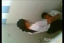 Xpaja video porno de flagras escolares garoto chupando buceta na escola