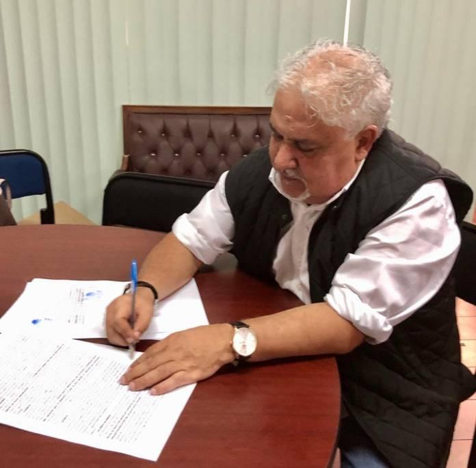 Firma del Contrato Colectivo de Trabajo; sin aviso a la asamblea general del SUEUM