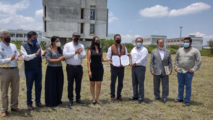 Recibe donación de predio la UMSNH en Zamora