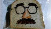 panino con l'uomo con i baffi