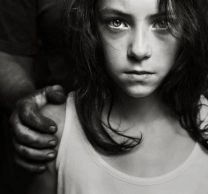 bambina abusata
