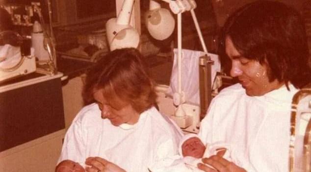 genitori e gemelli