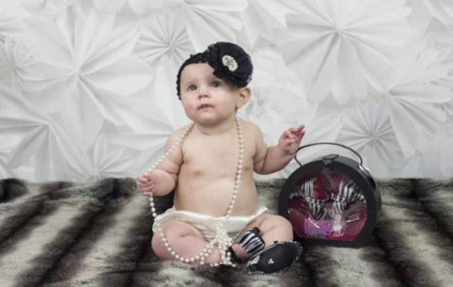 bebè sorride