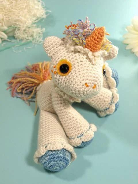 unicorno uncinetto