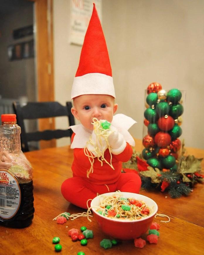 bimbo mangia pasta