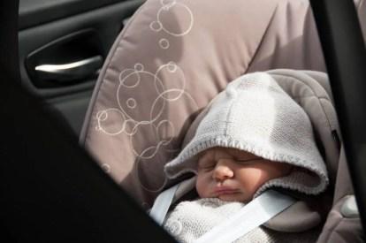 neonati e seggiolini auto pericoloso