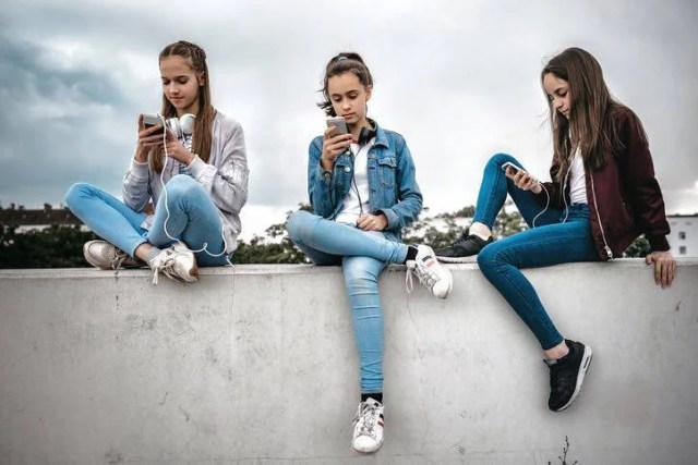 cellulari e adolescenti report rai 3
