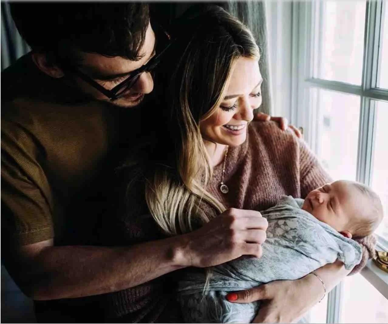 """""""Ho bevuto la placenta di mia figlia"""": Hilary Duff mamma per la seconda volta si confessa"""