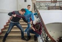 minorenni torturano coetaneo