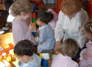 maestre maltrattano bambini