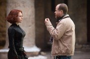 Marvel's Avengers: Age Of Ultron L to R: Scarlett Johansson (Black Widow/Natasha Romanoff) on set with Director (Joss Whedon) Ph: Jay Maidment ©Marvel 2015