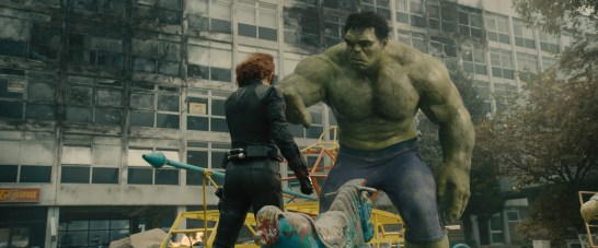Marvel's Avengers: Age Of Ultron L to R: Black Widow (Scarlett Johansson) and Hulk (Mark Ruffalo) Ph: Film Frame ©Marvel 2015
