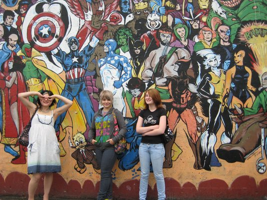 Este vistoso mural luce con orgullo todo su esplendor marveliano en una conocida pizzería de Olympia. El dibujo representa a los personajes a tamaño real y se pintó a mano alzada, sin ayuda de proyecciones.