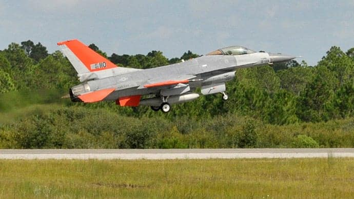 Unmanned F-16 fighter jet