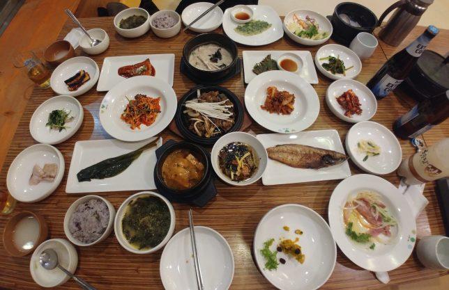 Cena en el Hongsi Hanjungsik de Gyeongju