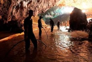 З печери в Таїланді евакуювали всіх дітей і їх тренера