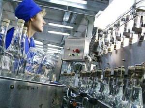 Україна продовжує скорочувати обсяги виробництва горілки