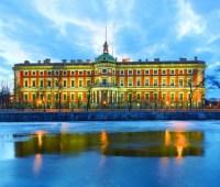 Из музея в Санкт-Петербурге крюком пытались украсть скульптуру