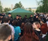 Из-за строительства храма в Екатеринбурге продолжаются столкновения полиции и протестующих