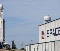 SpaceX на сутки отложила запуск ракеты Falcon 9 c 60 интернет-спутниками