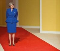 Британский премьер Мэй объявила об отставке