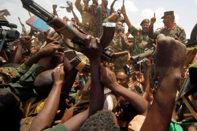 Оппозиция Судана объявила всеобщую забастовку за передачу власти гражданским
