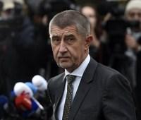 Премьер Чехии избежал вотума недоверия
