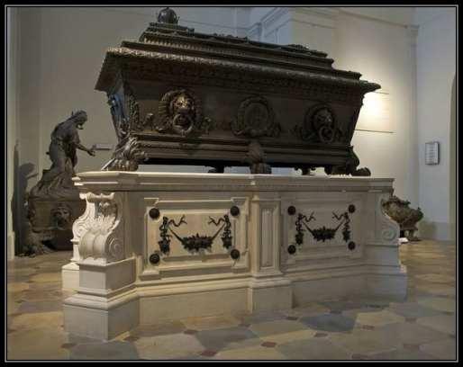 FerdinandI_tomb