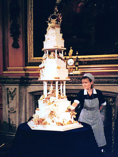 Prince Edward and Sophie Rhys~ Jones wedding cake