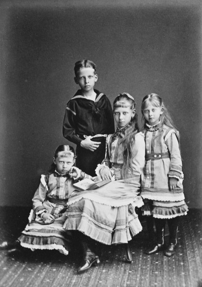 waldemar with sisters