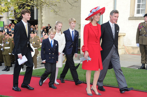 Prince Guillaume, Princess Sibilla and their children, at the wedding of Hereditary Grand Duke Guillaume of Luxembourg, 2012. photo: Zimbio