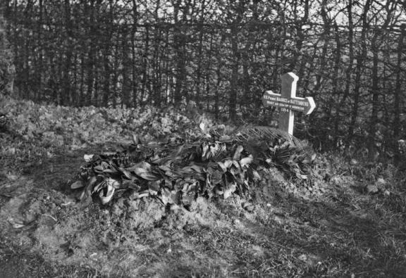 Maurice_grave 1