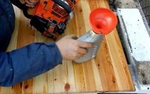 Come pulire e preparare la motosega per l'inverno