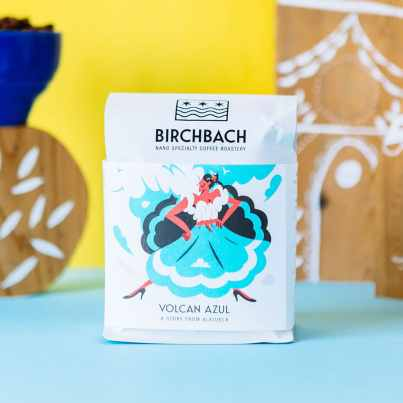 Birchbach Volcan Azul coffee with painted wooden decorations